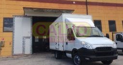Iveco Daily furgonatura con pedana idraulica