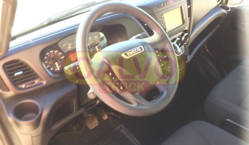 Iveco Daily 35C21 cassone fisso e centina interni cabina