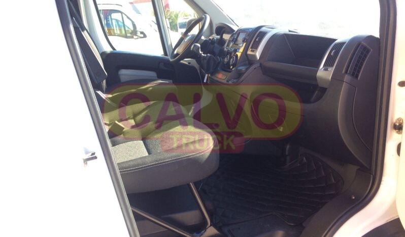 Fiat Ducato Maxi centinato interni passeggeri