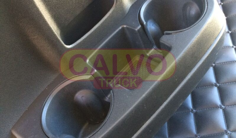 Fiat Ducato Maxi centinato vano portaoggetti e usb